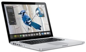 Apple MacBook Pro MB471 15,4 Zoll WXGA+ Notebook (Intel Core 2 Duo 2.53GHz, 4GB RAM, 320GB HDD, DVD+/-RW, GF9600M GT, Mac OS X)